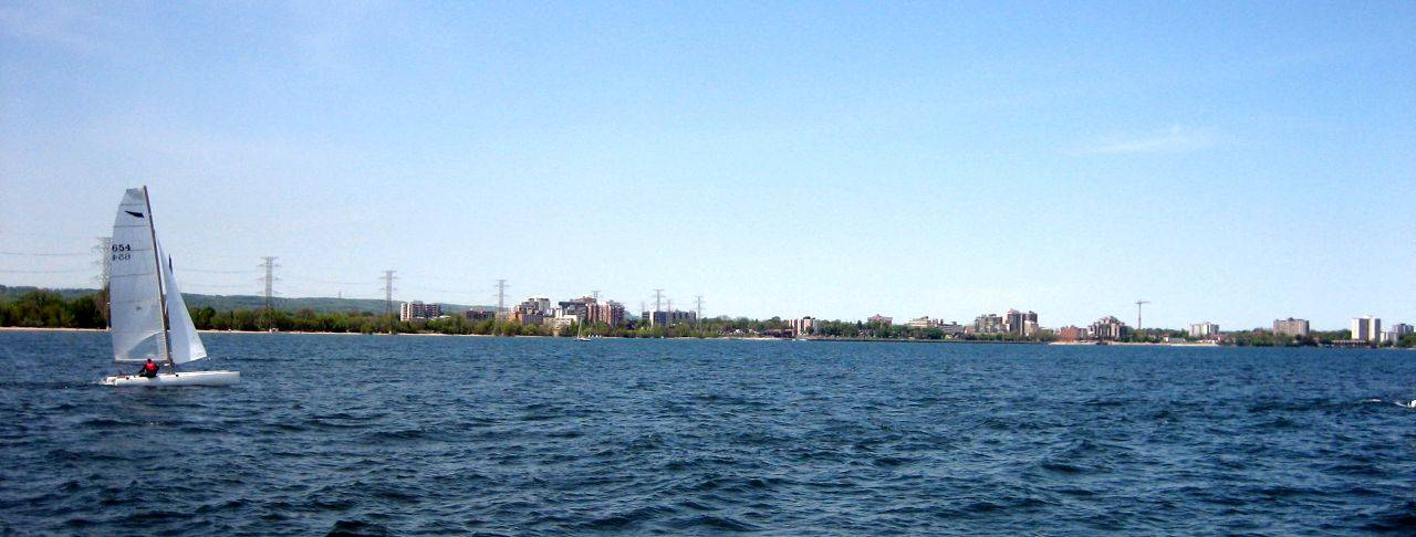 Burlington_Ontario_Coastline_on_Lake_Ontario_edited-min